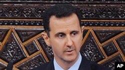 유화책을 제시한 아사드 대통령 (자료사진)