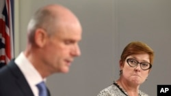 Міністр закордонних справ Нідерландів Стеф Блок з міністром закордонних справ Австралії Меріс Пейн на прес-конференції в Сіднеї 27 березня 2019 року