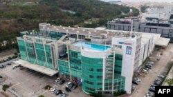鳥瞰位於香港將軍澳的蘋果日報大樓。(2021年5月18日)