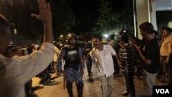 Pendukung mantan Presiden Maladewa, Mohamed Nasheed, melakukan unjuk rasa di ibukota Male (12/2).