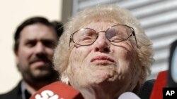 La vicepresidenta de las Abuelas de la Plaza de Mayo, Rosa Tarlovsky de Roisinblit lloró al escuchar el veredicto contra Omar Graffigna.