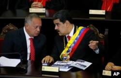 Diosdado Kabello və Nikolas Maduro