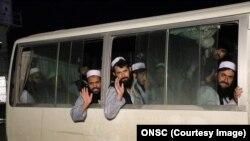 افغان حکومت وايي دا طالبان یې د سولې د هڅو د چټکولو په موخه پرېښي دي.