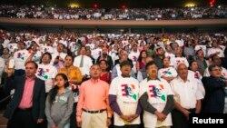 印度裔美国人在纽约麦迪逊广场花园聆听印度总理纳伦德拉·莫迪讲话
