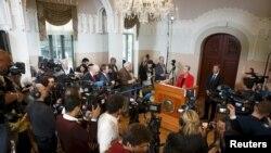 Kasi Kulman Five, nova predsednica Norveškog komiteta za Nobelovu nagradu, objavljuje dobitnika Nobelove nagrade za mir 2015 na konferenciji za medije u Oslu, 9. oktobra 2015.