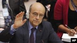 法國外交部長星期四在聯合國安理會上投票支持在利比亞上空設立禁飛區