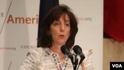 """Roberta Jacobson, Sub Secretaria de Estado para Asuntos del Hemisferio Occidental, se mostró entusiasmada por los resultados de """"La idea""""."""