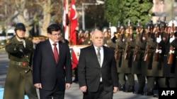 حیدر العبادی و احمد داوود اوغلو نخست وزیران عراق و ترکیه