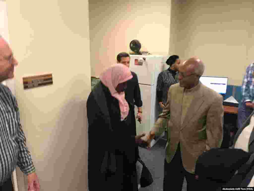 Darektan Sashen Afirka na Muryar Amurka, Negussie Mengesha tare da Ministan Ilimin kasar Nijar Daouda Mamadou Marthe, Zara Boubacar Gao Bakingue. Nuwamba 30, 2018