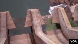 Barragem de Lomaum a meio gás