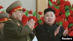 Ri Yong-ho, de 70 años de edad, fue mentor del actual líder, Kim Yong-Un, y hombre de confianza de su padre, Kim Jong-Il, fallecido hace siete meses.