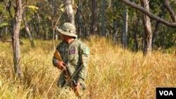 Park rangers show forest patrols to reporters in Cambodia's Srepok Wildlife Sanctuary in Koh Nhek district Mondulkiri on Jan. 17, 2021. (Aun Chhengpor/VOA)