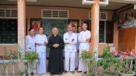 Linh mục Phan Văn Lợi.