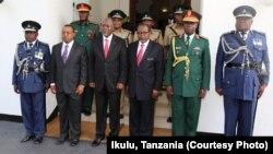 Rais Magufuli pamoja na viongozi wa Jeshi na polisi Ikulu