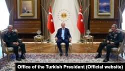 رئیس ستاد مشترک ایران با اردوغان دیدار کرد و از محور های این دیدار مبارزه با کردهای ناراضی در ترکیه و ایران بود.