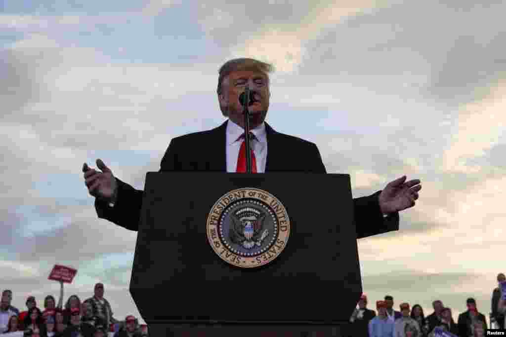 سخنرانی پرزیدنت ترامپ در میان هوادارانش در فرودگاه بین المللی میسولا، مونتانا