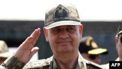 """TSK'nin Eski Genel Kurmay Başkanı Başbuğ """"silahlı terör örgütü kurmak ve yönetmekle"""" suçlanıyor."""