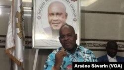 Jean-Jacques Serge Yhombi Opango appelle à une candidature unique de l'opposition, Brazzaville, le 11 décembre 2019. (VOA/Arsène Séverin)