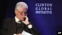 前總統克林頓呼籲關注全球問題