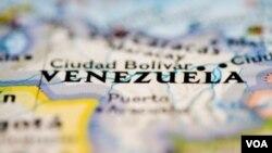 La Asamblea Nacional de Venezuela decidió atender los pedidos de poderes especiales del presidente Hugo Chávez.