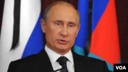 Presiden Rusia Vladimir Putin menuduh negara-negara Barat menggunakan kelompok militan seperti al-Qaida untuk menyingkirkan Presiden Bashar al-Assad (foto: dok).