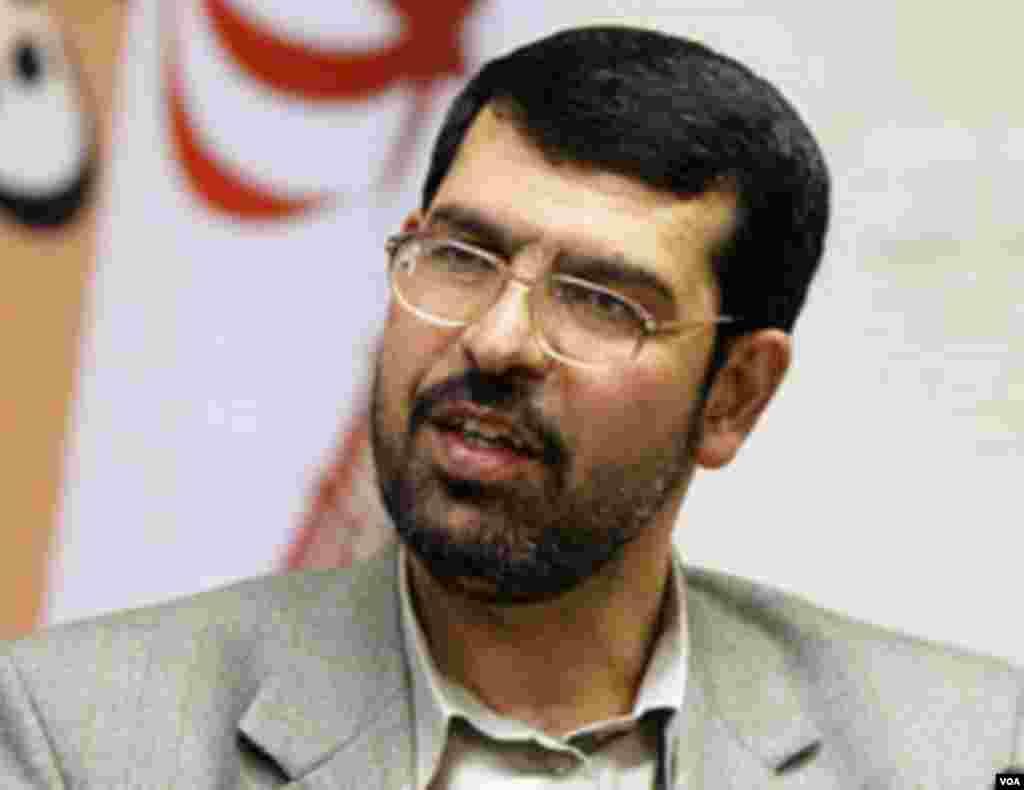 صادق واعظ زاده که در دور نخست ریاست جمهوری محمود احمدی نژاد، معاون وی بود، به دنبال ثبت نام برای نامزدی گفت: وضعیت موجود کشور و بازگشت به گذشته مطلوب نیست. واعظ زاده در نخستین روز ثبت نام نامزدها(روز سه شنبه) به عنوان نامزد ریاست جمهوری نام نویسی کرد.