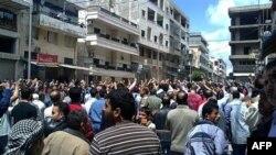 Suriyaning Banias shahrida namoyish, 6 may 2011