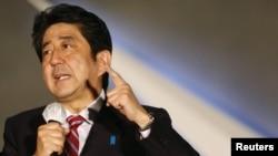 日本自民黨總裁安倍晉三12月15日競選期間對選民發表講話