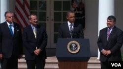 Obama estuvo acompañado por el secretario de Transporte, Ray LaHood, el presidente de AFL-CIO, Richard Trumka, y David Chavern, de la Cámara de Comercio de EE.UU..
