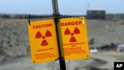 Bảng cảnh báo phóng xạ tại khu bảo tồn Hạt nhân Hanford ở tiểu bang Washington (ảnh tư liệu)