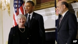 President Barack Obama applauds as he walks out of the State Dining Room of the White House with outgoing Federal Reserve Chairman Ben Bernanke (R) and Janet Yellen, his nominee to replace Bernanke, in Washington, Oct. 9, 2013.