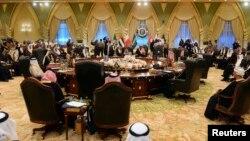 سی و چهارمین نشست سران کشورهای عضو شورای همکاری خلیج فارس در کویت - دسامبر ۲۰۱۳