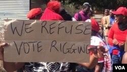 Batshaya phansi ngenduku koBulawayo abafuna ukhetho olubalulekileyo.