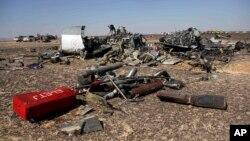 Reruntuhan pesawat Metrojet di Semenanjung Sinai (Foto: dok).