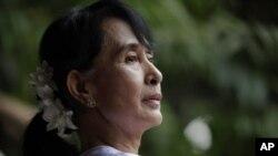 4月2号,缅甸民主派领袖昂山素季在仰光全国民主联盟办公室。