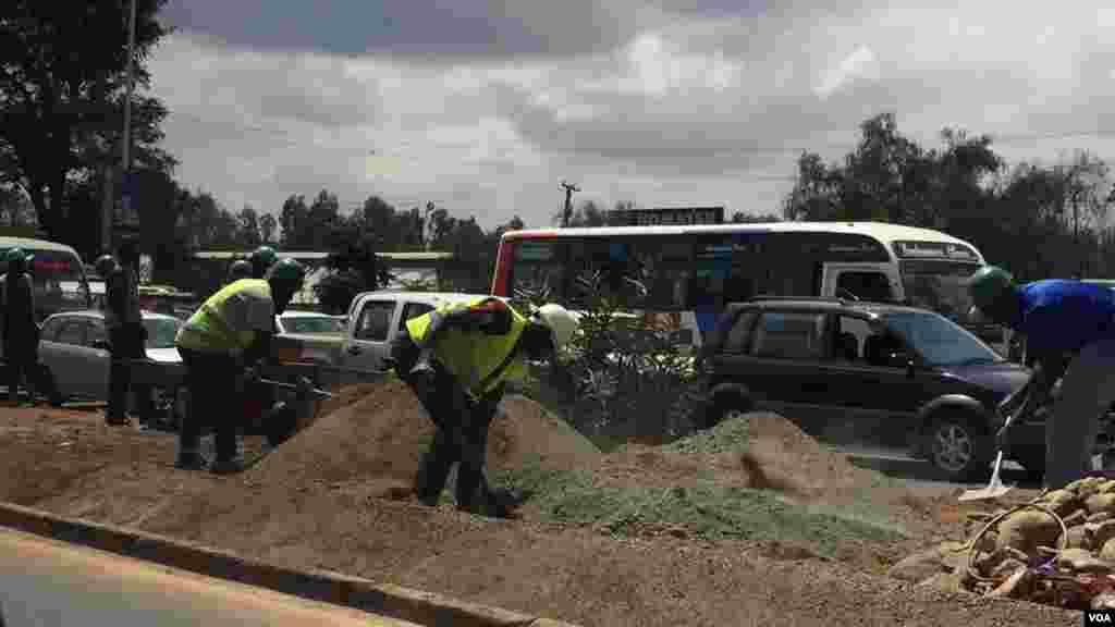 Uhuru Highway ikisafishwa kwa ajili ya ziara ya Obama