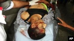 加沙醫療人員正在拯救傷者