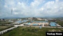 지난달 14일 개성공단 종합지원센터에서 바라본 개성공단. (자료사진)