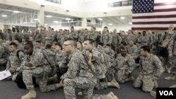 Tentara AS mendapatkan pengarahan di Savannah, Georgia setelah pulang dari Irak (foto: dok.).