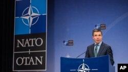 Генеральний секретар НАТО Андерс Фоґ Расмуссен після зустрічі з міністрами оборони альянсу