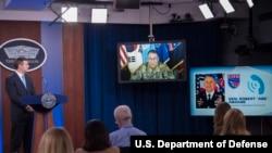 驻韩美军司令艾布拉姆斯上将(General Abrams)通过视频参与记者会(美国国防部2020年3月13日照片)