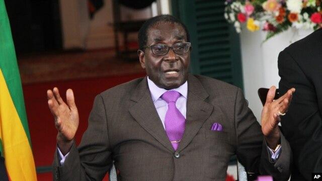 Presiden Zimbabwe Robert Mugabe ingin memastikan kehendak rakyat mengenai konstitusi, dan mengumumkan penyelenggaraan referendum konstitusi, 16 Maret mendatang  (Foto: dok).