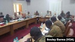 Hukumomin tsaron kasashen Nijar Mali da Burkina Faso a taronsu na Nijar