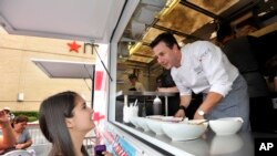 Le chef Johnny Luzzini donne une glace à Houston, Texas, le 1 juin 2013. (Photo d'illustration).