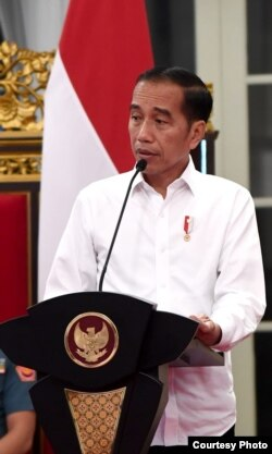 Presiden Joko Widodo dalam Sidang Kabinet Paripurna terakhir di Istana Kepresidenan Jakarta, Kamis (3/10).
