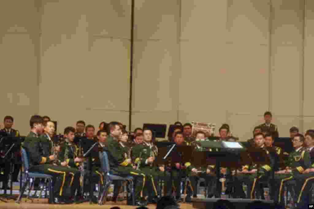 中国解放军军乐团在迈耶堡军事基地演出
