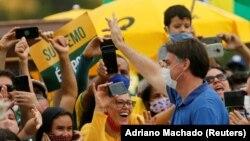 Manifestação de apoio a Bolsonaro em Brasília (17 Maio 2020)