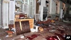 21일 시리아 수도 다마스쿠스 내 이슬람교 사원에서 자살 폭탄 테러가 발생해 50여 명이 사망했다.