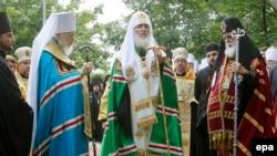 რუსეთის და საქართველოს პატრიარქები კიევში, მოსკოვის საპატრიარქოს უკრაინის ეკლესიის მეთაურთან ერთად