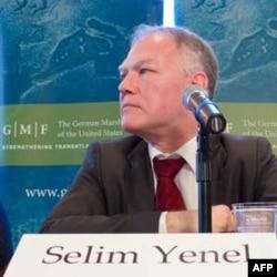 Dışişleri Bakanlığı Müsteşar Yardımcısı Selim Yenel